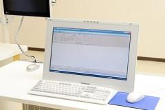 電子カルテ電子カルテシステムを導入しています。内視鏡、レントゲン、めまい、聴力といった院内で行われる全ての検査データを一元管理ができて、スムーズな診療が行えます。